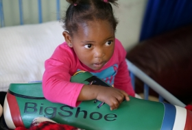 2018_ Alive_ 2 years-old_ helped on her deformed hand_ one of the 11  World Cup winner_ Cape Town 2018